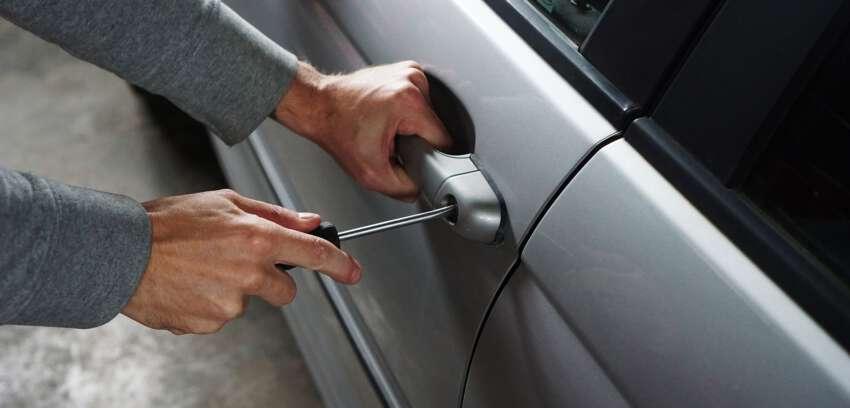 Jak zabezpieczyć się przed kradzieżą pojazdu?